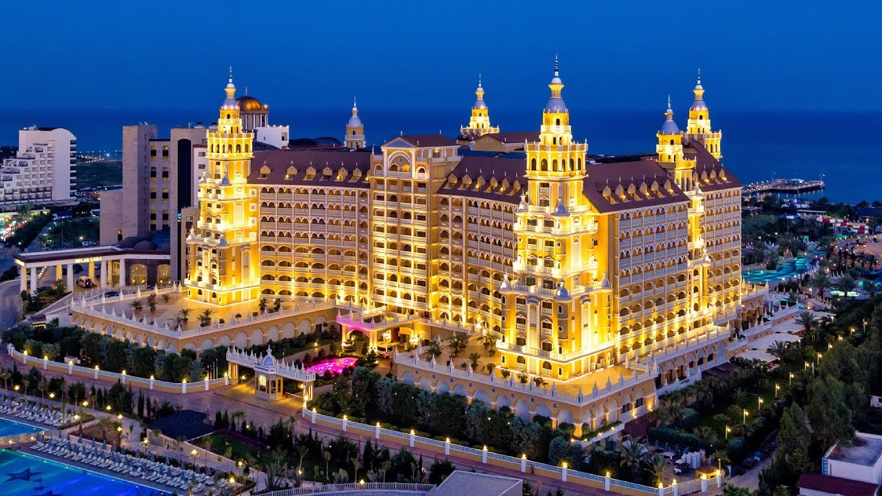 Royal Holiday Palace Hotel - YouTube