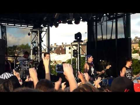 The Amity Affliction - Born To Die (Sydney Warped Tour 2013)