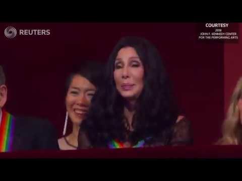 Cyndi Lauper canta em homenagem a Cher / Cyndi Lauper sings in honor of Cher Mp3