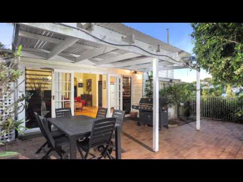 52 Royal Terrace - Hamilton (4007) Queensland by Ian Cuneo