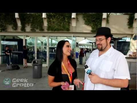 We  Kristen DeLuca about Femme Fatales at Comic Con!