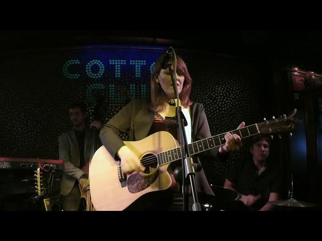Maria Jose Hernandez en directo en Cotton Club Bilbao Cartas sobre la mesa