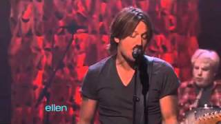 Keith Urban Performs Put You in a Song