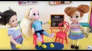 School! Elsa and Anna go School! Little Anna's First Day! Cafeteria! Maths Problems Teacher Barbie!