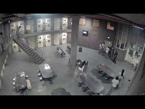 CHICAGO COOK COUNTY JAIL GUARDS BEATEN BY INMATES