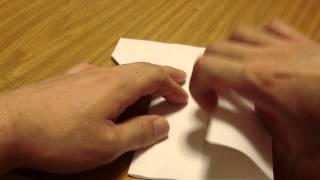 折り込みチラシを折ってくず入れにする方法です。 (動画はA4用紙を使用)...