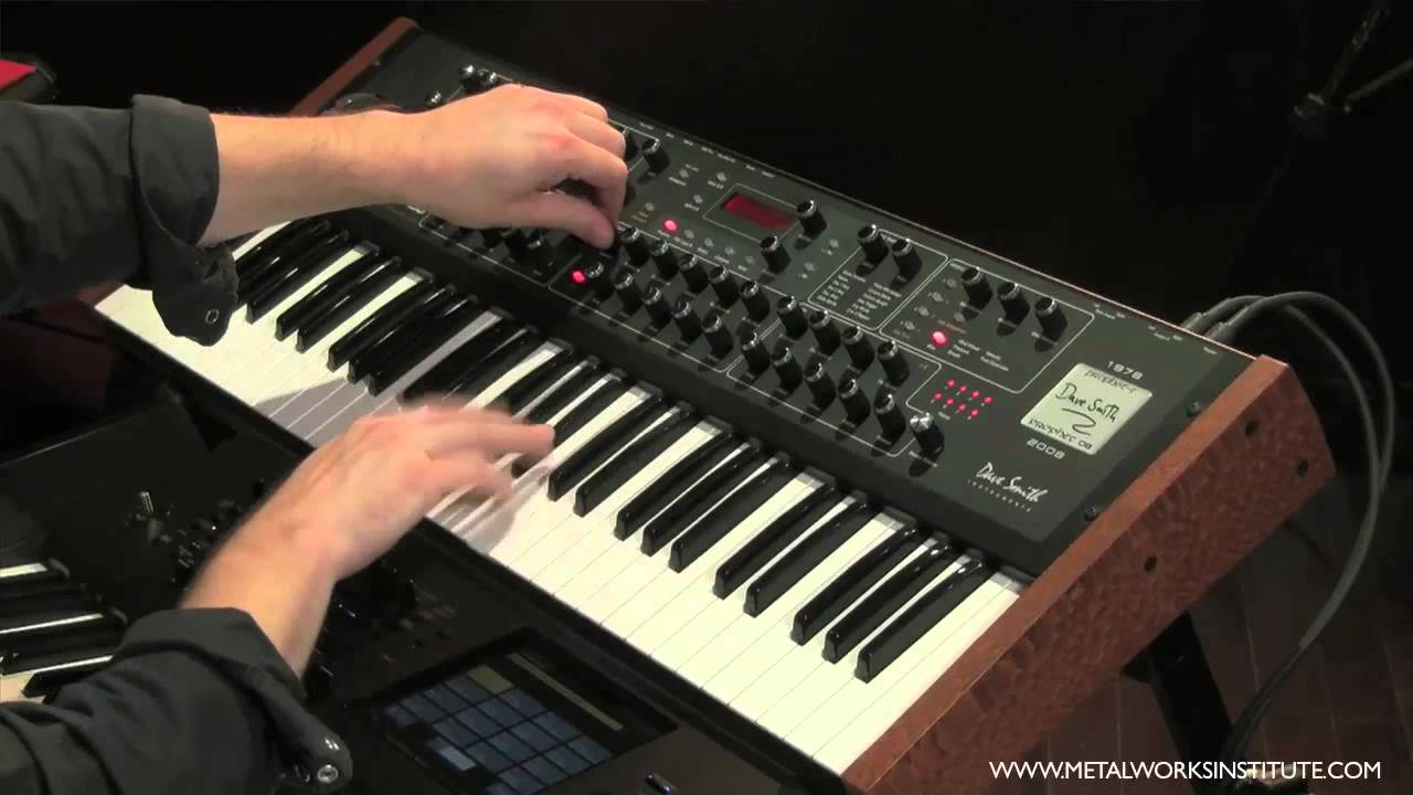 How to learn to play the synthesizer