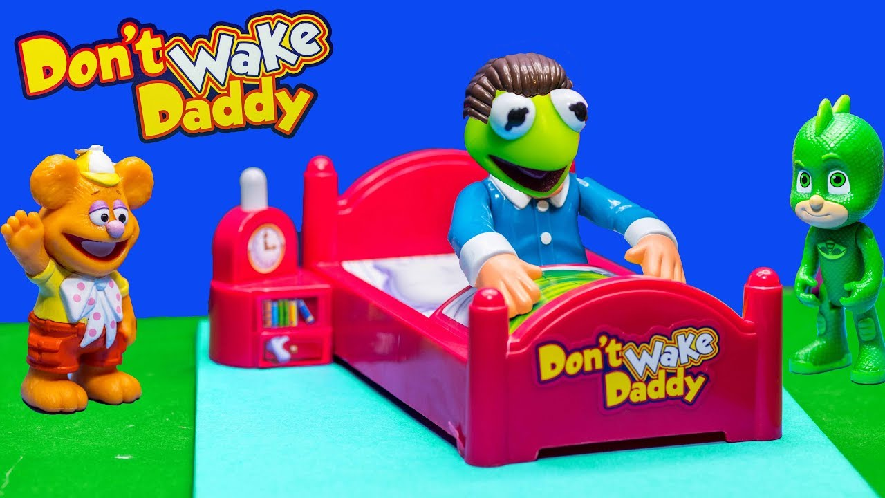 muppet-babies-and-pj-masks-play-dont-wake-daddy-with-the-assistant