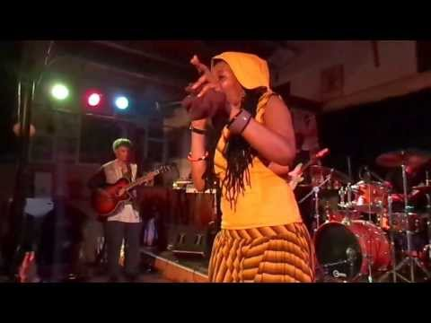 Nkulee Dube (daughter of Lucky Dube) performing live at Ashkenaz Berkeley, CA- July 19, 2013 (9)