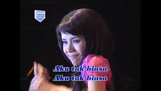 Dangdut Koplo Cantik - Aku Tak Biasa by Dwi Ratna