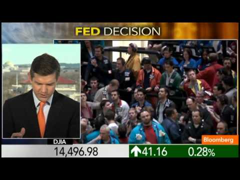 Fed Keeps Bond-Buying Pace as Job Market Improves