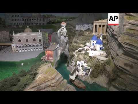 World of tiny landmarks opens in New York