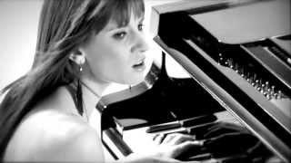 █▬█ █ ▀█▀ Sylwia Grzeszczak & Liber - Mijamy się (Oficjalny Teledysk)