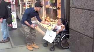 Заставь Бездомных Улыбнуться! :) Делай добро!