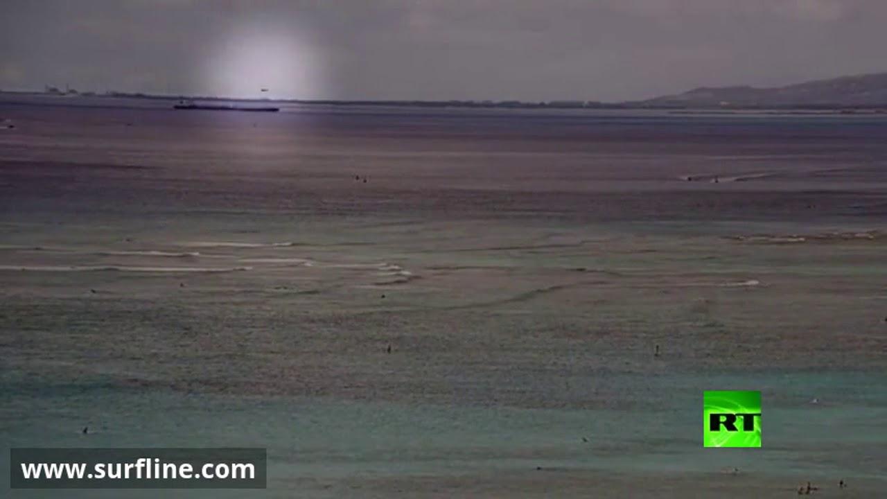 شاهد لحظة سقوط مقاتلة أمريكية في المحيط