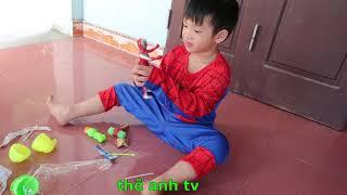 trò chơi trẻ em siêu nhân nhặt trứng khủng long. * thế anh tv *