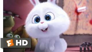 The Secret Life of Pets - Scary Snowball Scene | Fandango Family