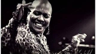 Dee Dee Bridgewater - Afro Blue - Red Earth, A Malian Project
