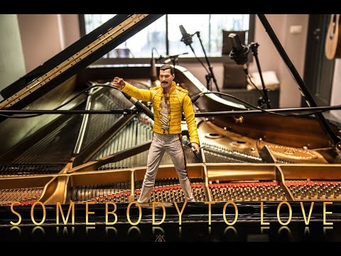 SOMEBODY TO LOVE - QUEEN - ♫ ♫ ♫  Piano Cover play by Ear