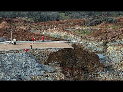 California mantiene las evacuaciones por el desbordamiento de la presa de Oroville