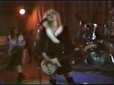 hole gold dust woman single Gold dust woman from hole - enjoy all the music albums and top video tracks of hole here on frogtoon music video tracks on gold dust woman album include: gold dust woman (album version).