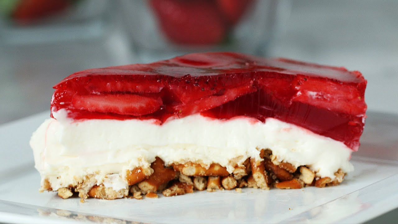 maxresdefault - Strawberry Pretzel Cheesecake
