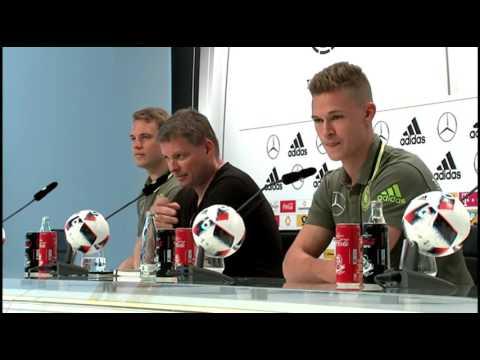 DFB Pressekonferenz: Manuel Neuer & Joshua Kimmich 24/06/16