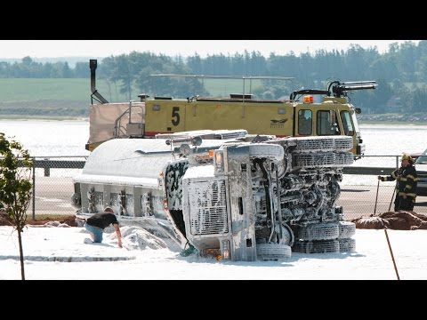 Raw footage - Tanker Overturned in Charlottetown PE 2015