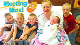 Siblings Meet Baby for the First Time! Meeting New Baby Brother! / The Beach House