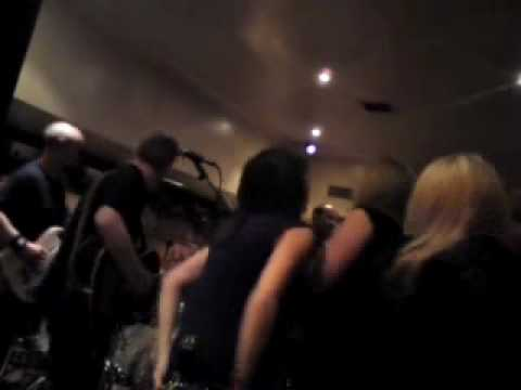 Free Download Brown Eyed Girl - Rendezvous Band @ Henry's.wmv Mp3 dan Mp4