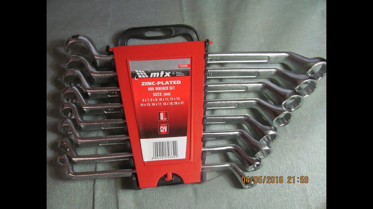 Лучшая цена профессиональный набор инструментов intertool et-7145. Et-7145товар в наличии. Размер рожково-накидных ключей: 6-27 мм. Материал изготовления: хром-ванадиевая сталь. Размер головок: 4-32 мм. Квадрат: 1/2
