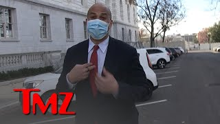 Cory Booker Reviews Rosario Dawson in 'Mandalorian,' Pulling for 'Star Trek' Role | TMZ
