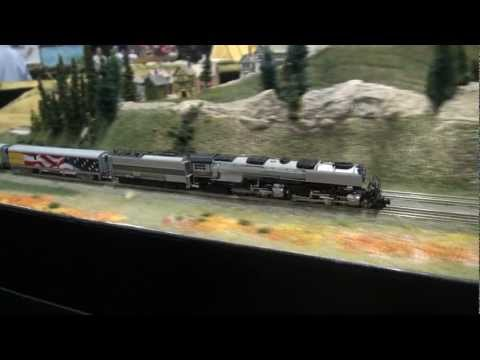 National Train Show 2011 Z-scale AZL Challenger, part 1