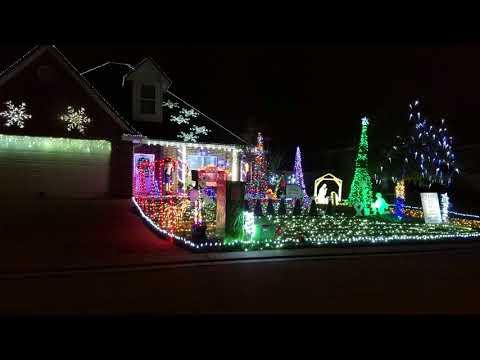 Epic Christmas light show Camo and Xmas lights - YouTube