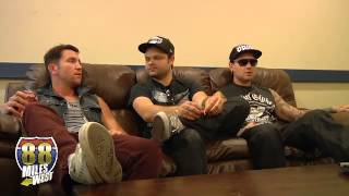 Repeat youtube video Hollywood Undead - Interview about Notes from the Underground, masks and social media