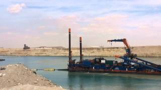 قناة السويس الجديدة فى القطاع الاوسط وأعمال التكريك والحفر فبراير2015