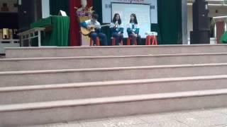 Ba Kể Con Nghe  guitar cực hay - Văn nghệ lớp 10a11 của trường THPT Lạng Giang số 1