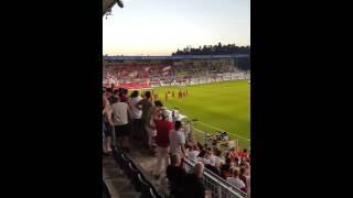 vfb fans feiern die mannschaft nach dem 2 1 gegen sandhausen