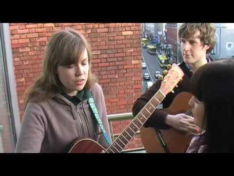 ALESSIS ARK - WOMAN (BalconyTV) mp3