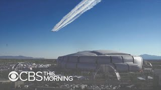 Air Force Thunderbirds train for tricky Super Bowl stadium flyover