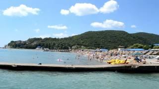 Пляж Архипо-Осиповки(Личные видео с пляжа Архипо-Осиповки. Смотрите, как отдыхает русский народ на Чёрном море. Архипо-Осиповка..., 2014-07-05T09:08:28.000Z)