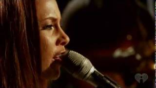Alicia Keys - Empire State of Mind Part 2 (Live on Heartradio)