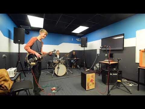 Absolute Music Studio -  Crazy Frog (Beverley Hills Cops), Zak, Alice, Ros, Russ.