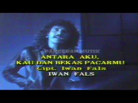 iwan-fals---antara-aku,-kau-&-bekas-pacarmu-(original-music-video-&-clear-sound)