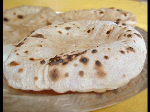 chapati recette des pains indiens les chapatis youtube. Black Bedroom Furniture Sets. Home Design Ideas