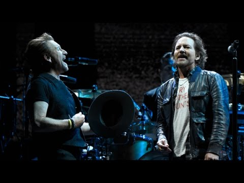 MULTICAM | U2 + Eddie Vedder + Mumford & Sons - Mothers Of The Disappeared