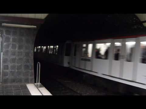 Transports Metropolitans de Barcelona - 4000R saliendo de Rocafort