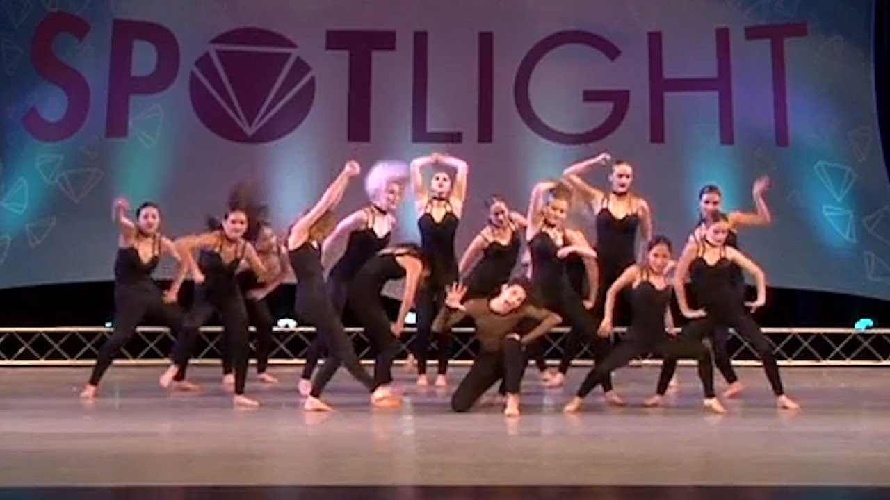 how to run a dance competition