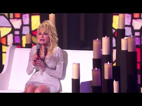"""Download A Holly Dolly Christmas 