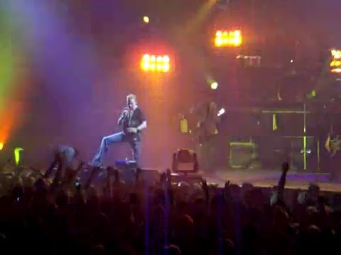 Guns N Roses Reunion With Izzy Stradlin Newcastle 2006 Axl Walks Off Stage